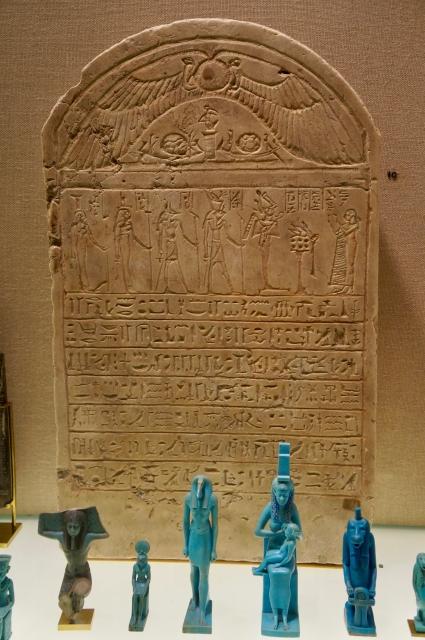 エジプトのピラミッドのそばでフンコロガシをみることはできますか?